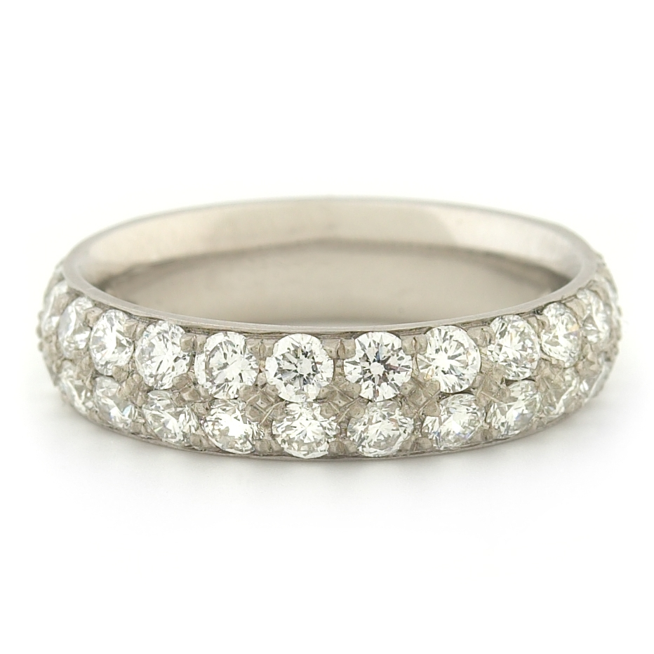Timeless pave band